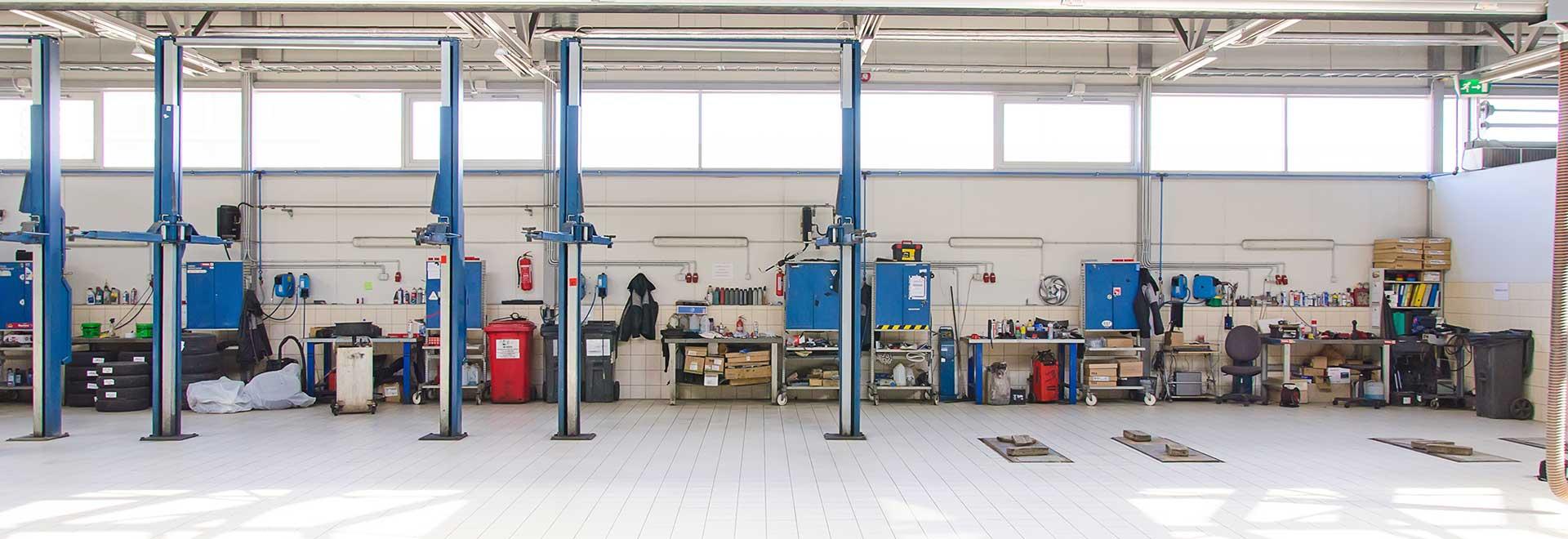 Auto repair shop photo empty